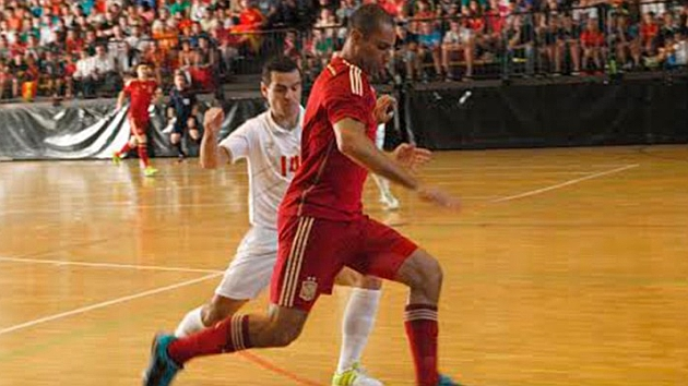 España golea a Serbia en el amistoso de Langreo