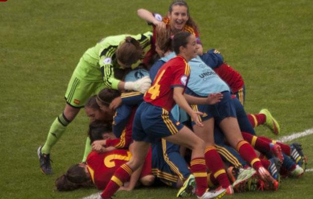 Las jugadoras celebran el pase a la final | @sefutbol