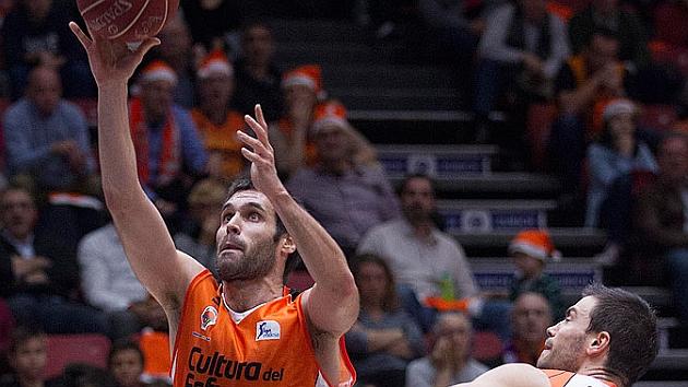 El Valencia desactiva a Popovic y se mantiene firme en el liderato