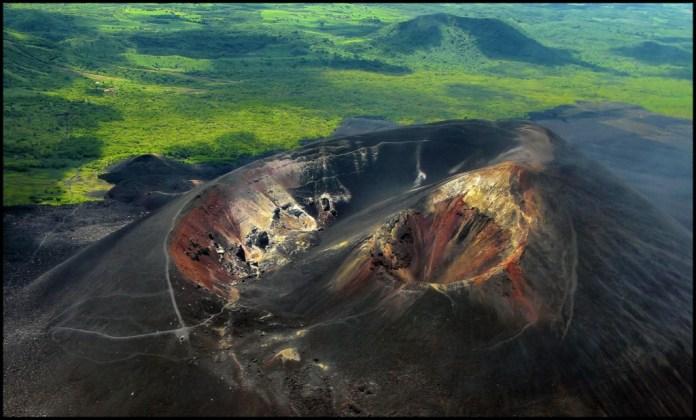 Volcán Cerro Negro, Nicaragua, esta tuani nicaragua