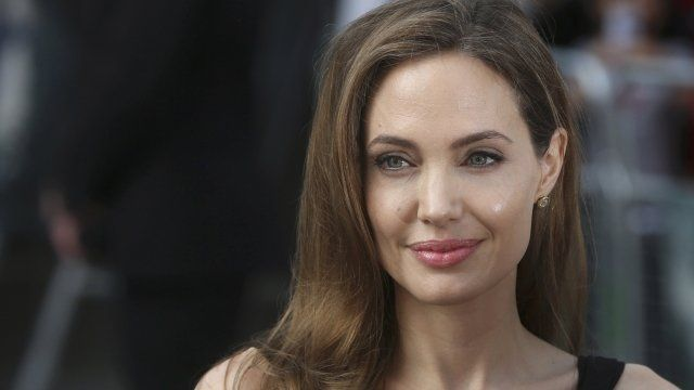 Las 30 mujeres más bellas del mundo, Angelina Jolie