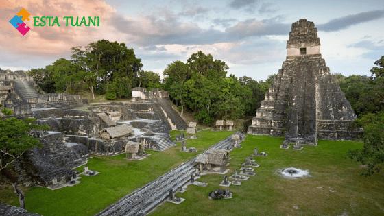 Tikal, majestuoso templo maya de Guatemala en el siglo 20