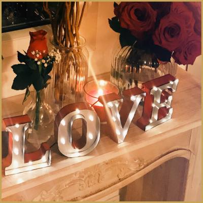 location-lettres-love-lumineuses-rouge