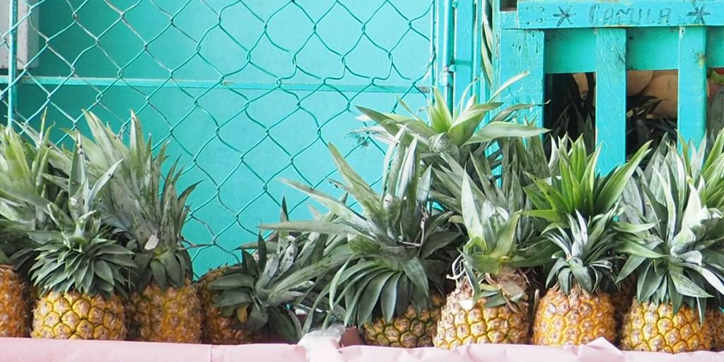 Ananas sur le marché de Puerto Escondido