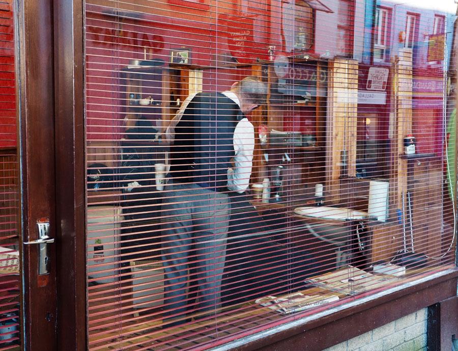 Barber shop dans les rues de Galway