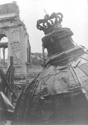 Бомбардовање Веограда - срушен Краљевски двор