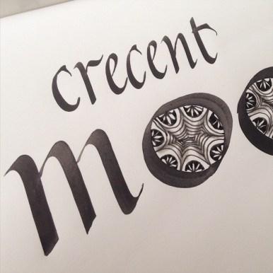 Crescent moon zentangle caligrafia