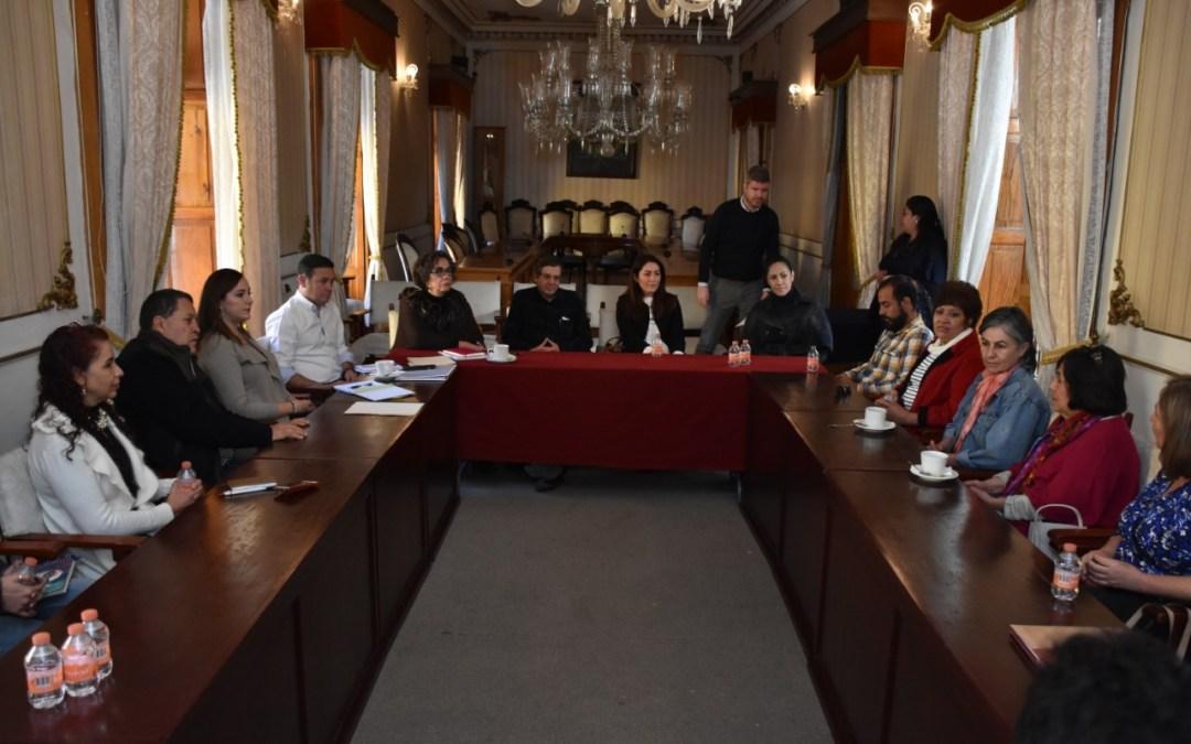 """Se reúnen miembros de """"Limpiemos Guanajuato"""" con el alcalde Navarro"""