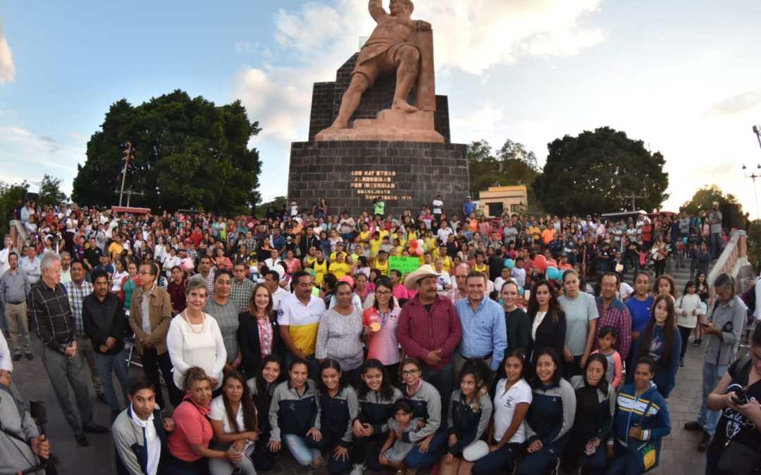 Condecora Navarro a la reina guanajuatense de los Panamericanos