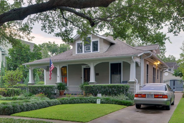 A Bungalow in Houston, USA - Source