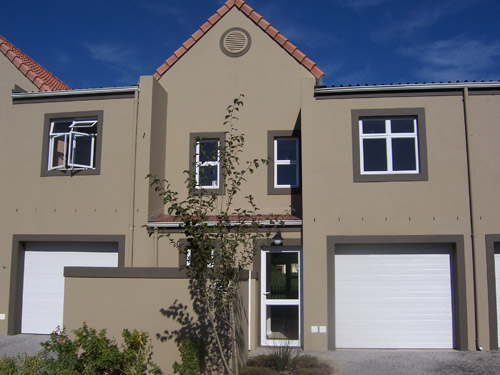 Townhouse in Western Cape South Africa - Boschenmeer Golf and Country Estate - Front End from Street