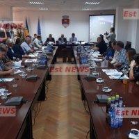 S-a semnat contractul! Investiții de 74 milioane de lei în rețelele de apă și canalizare din municipiul Vaslui și suburbii