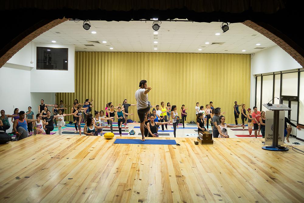 Panamá hace Yoga