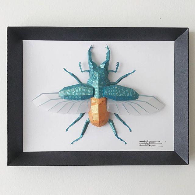 Insectos gigantes de papel de Paper Alliance