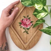 Los bordados en madera de Estela Botello