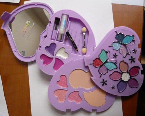 Amianto en un kit de maquillaje infantil de Claire's 0