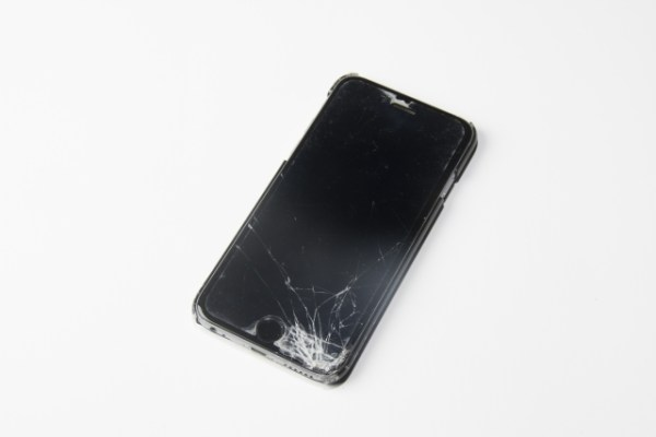 iPhone のガラス割れ