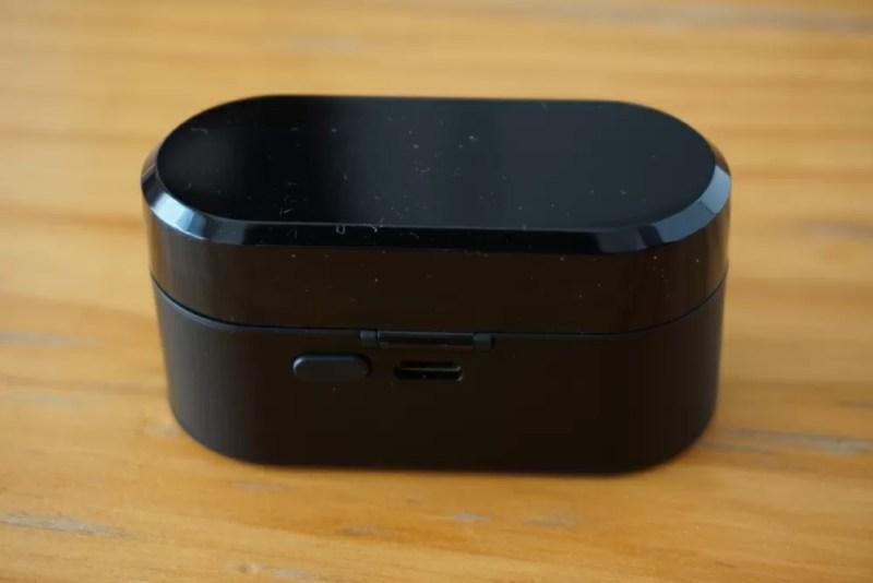 SoundPEATS(サウンドピーツ) Truengine Bluetooth イヤホン 充電ケースの後ろ側
