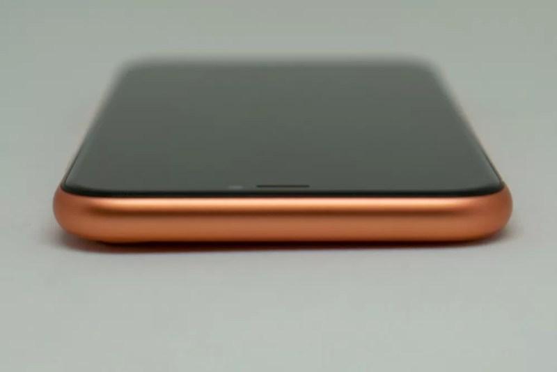 iPhone XRの上部