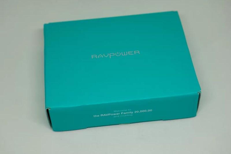 「RAVPower モバイルバッテリー 充電器 6700mAh RP-PB125」のパッケージ