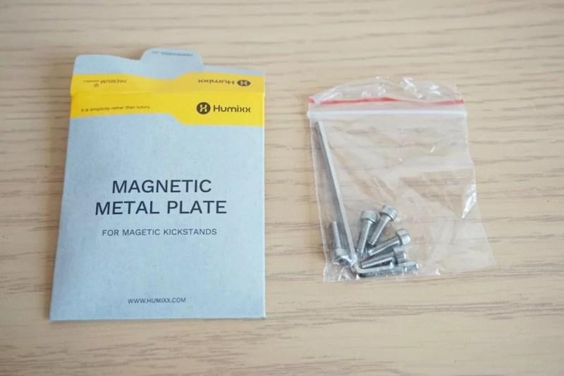 【Humixx 携帯電話スタンド】六角レンチとレジが入った紙袋の中身