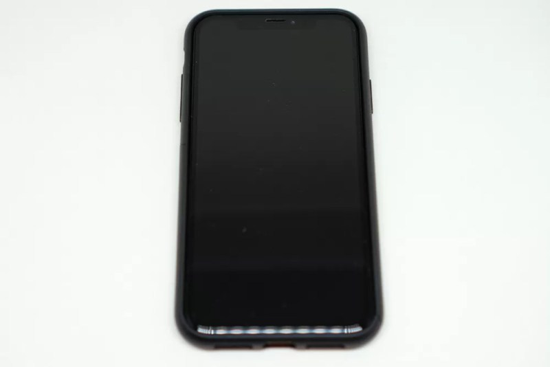 campino iPhone XRケース「OLE stand」装着後