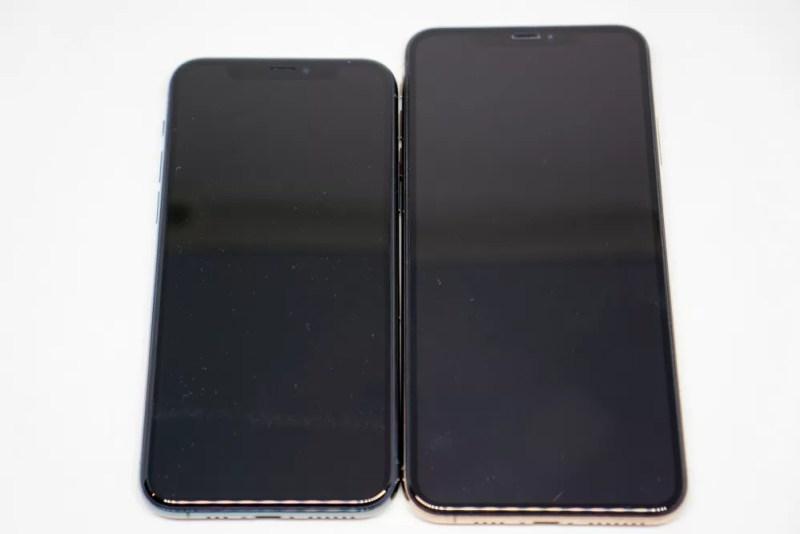 iPhone XSとiPhone 11 Proの比較正面