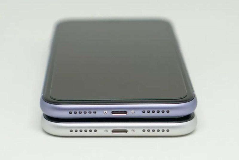 iPhone 11とiPhone XRのフレーム