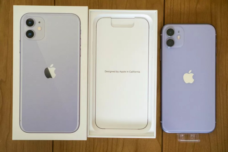 本体をとると「Designed by Apple in California」