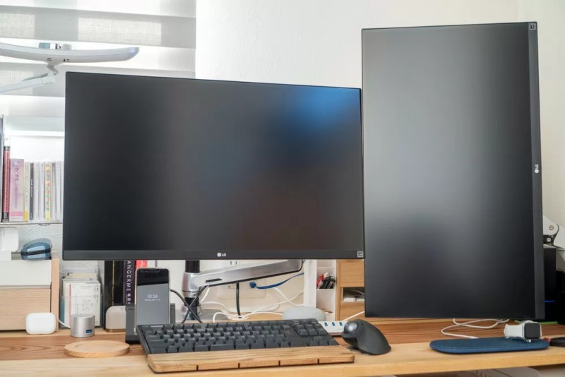 LGディスプレイ2枚を接続した普段の作業環境