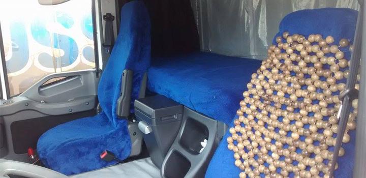 Foto da cabine do caminhoneiro Valdecyr Munhoz