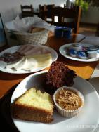 BALANCEADO: Café da manhã muito bem servido e
