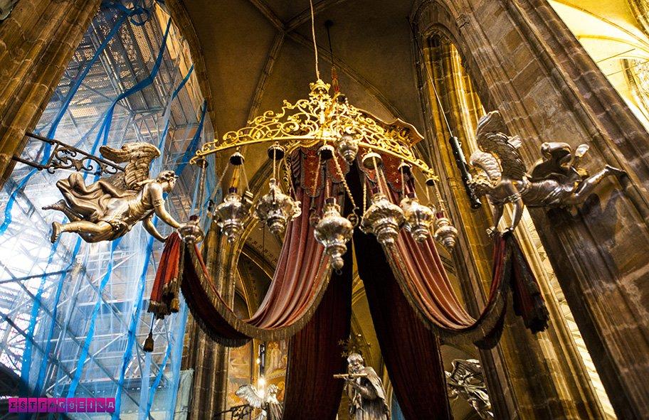 interior-catedral-sao-vito-praga-republica-checa