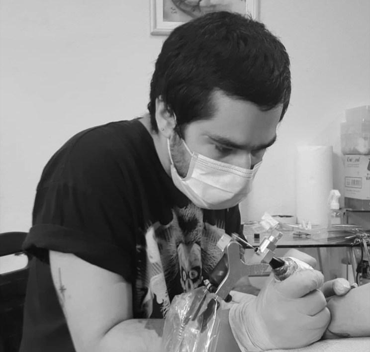 Tatuador: Renato