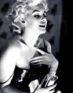 Marilyn Monroe CHANEL No 5