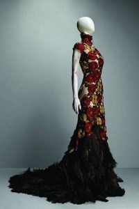 Alexander McQueen Savage Beauty Features