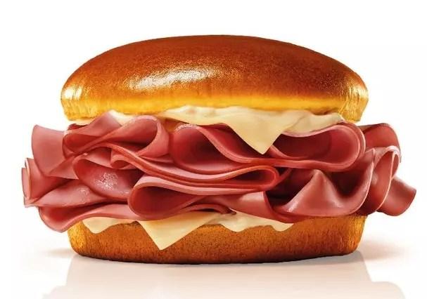sanduiche-do-mcdonalds-de-mortadela