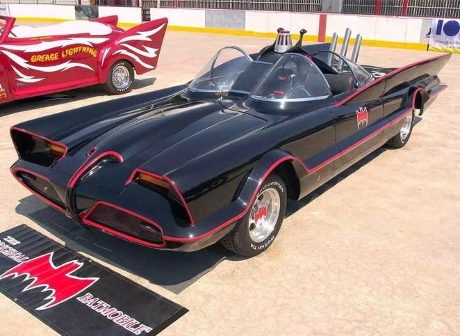foto do carro do batman 1960