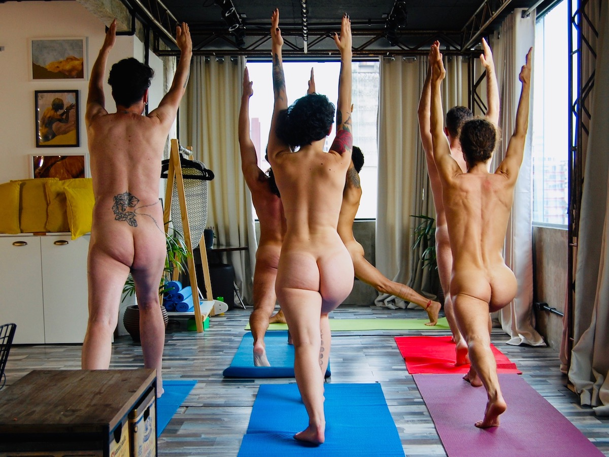 estúdio NU - Naked Yoga