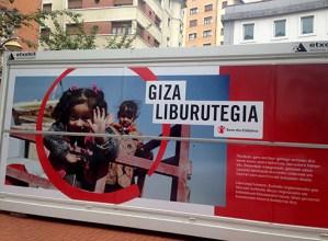 """Gaur zabalduko dute herririk herri dabilen """"Giza Liburutegia"""", anbulatorio pareko parkean"""