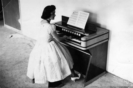 """Hitzaldia: """"Helmholtz organoaren 60. urteurrena"""" (Jesus Maria Agirre)"""