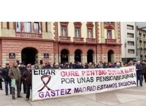 Gaur eguerdian konzentrazioa egingo dute herriko pentsiodun eta jubilatuek, eta manifestazioa datorren astean