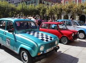 Automobil klasikoak erakutsi zituzten atzo goizean Untzagan