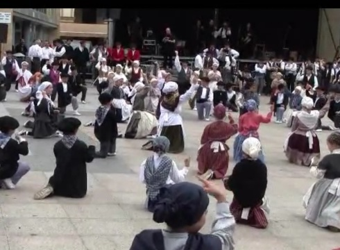 Euskeraren Egunerako prestatu duten egitaraua 11:00etan hasiko da Untzagan