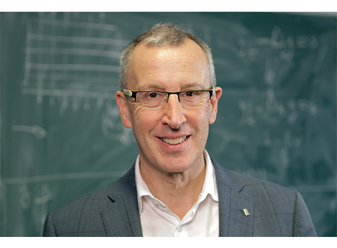 Enrique Zuazua matematikariak Zientziaren Top Talent Saria jaso du