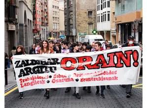 """[ARGAZKIAK] Lanuztea eta manifestazioa """"Zaldibar argitu"""" eskatzeko"""