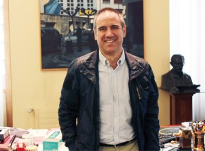"""Miguel del los Toyos (Eibarko alkatea): """"Beharrezkoa da solidarioak izatea, batez ere gehien galdu dutenei laguntzeko"""""""