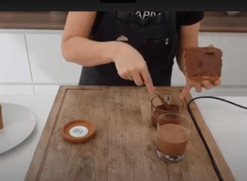 [BIDEOA] 5. errezeta osasungarria: Kakaoarekin eta hurrekin egindako krema