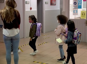 Umeak Eskolara eta Dirulaguntzak Ikasleei programetako eskaerak egiteko epea zabaldu dute