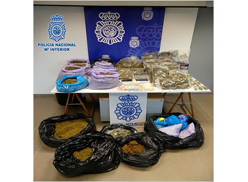 Eibarko marihuana elkarte bat desegin eta administrariak atxilotu ditu poliziak